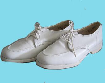 Old-fashioned-nurses-shoes